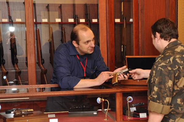 Новые правила оружие, правила хранения оружия, правила ношения оружия, оружие, хранение оружия, наказание за хранение оружия, штрафы за небрежное хранение оружия, возраст для покупки оружия, где нельзя оружие