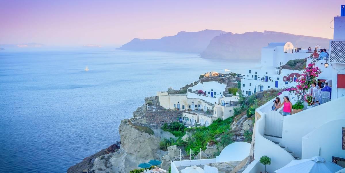 Кипр рассмотрит открытие перелетов в страну с 28 мая. Запрет был введен в конце марта, сообщает Bet on mobile, от него были освобождены только несколько категорий рейсов –грузовые, вывозные и некоторые гуманитарные.