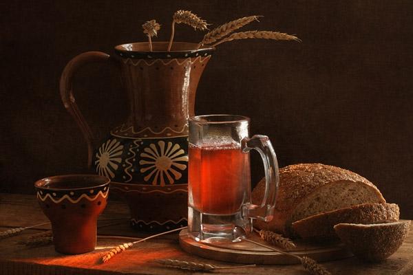 Хлебный квас, домашний хлебный квас, квас без дрожжей, как приготовить домашний квас, полезные свойства хлебного кваса, квас хлебный домашний, закваска для кваса без дрожжей,