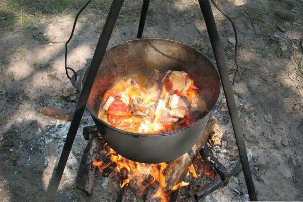 Шурпа, шурпа на костре, шурба из баранины, шурпа из свинины, шурпа из говядины, охотничья шурпа, как приготовить шурпу, суп шурпа, домашняя шурпа