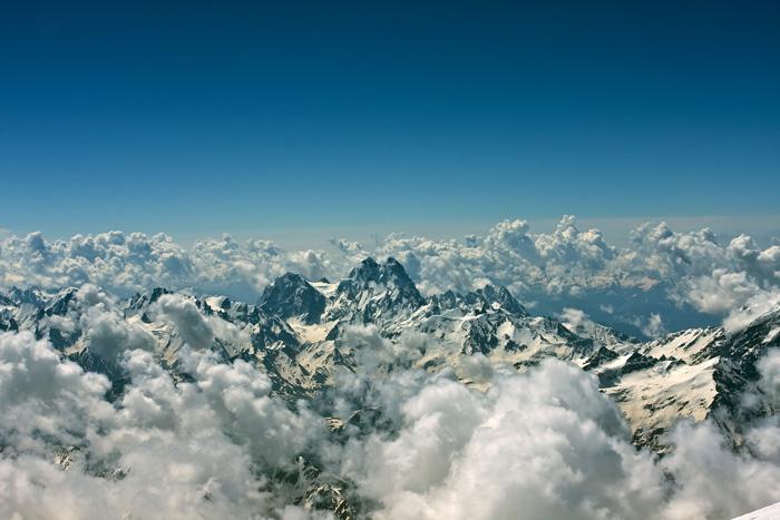 Путешествие в Кабардино-Балкарию, Эльбрус, путешествие на Эльбрус, восхождение на Эльбрус, гора Эльбрус, почему Эльбрус называется Эльбрус, Эльбрус в истории, Приют 11, Приэльбрусье, катание с Эльбруса, горнолыжный Эльбрус, Национальный парк Приэльбрусье