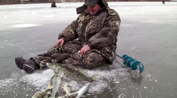 Одежда для зимней рыбалки, что одеть на зимнюю рыбалку, экипировка рыболова-зимника