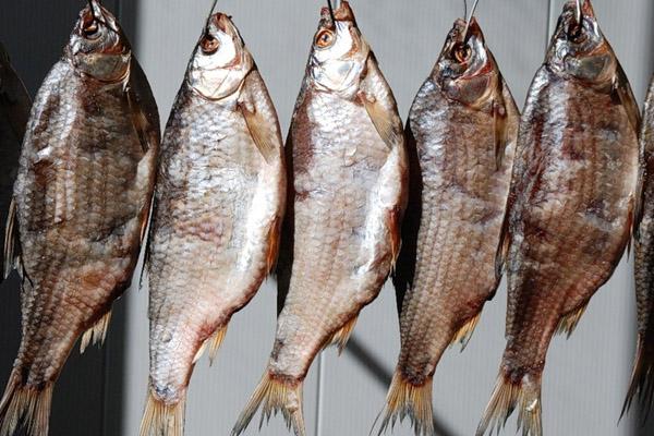 В Крым дважды пытались ввезти европейскую сушеную рыбу - Sfera.fm